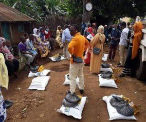 Distribution de denrées alimentaires au profit des personnes handicapées et démunies à travers différents villages de Moheli